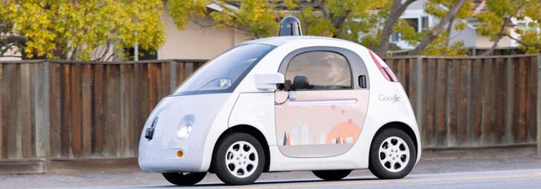Google отказался от работы над полностью автономной машиной
